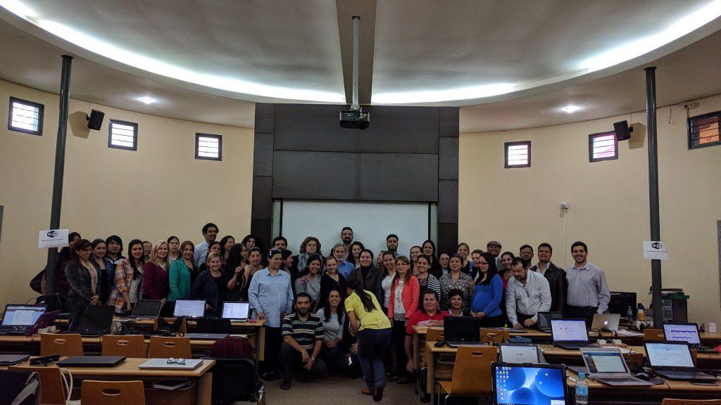 """La Cátedra UNESCO participa en la """"Conferencia y Taller de formación sobre MOOCs"""" en Universidad Nacional de Asunción, Paraguay"""