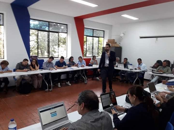 taller-de-formacin-docente-y-tcnico-en-moocs_28473835788_o